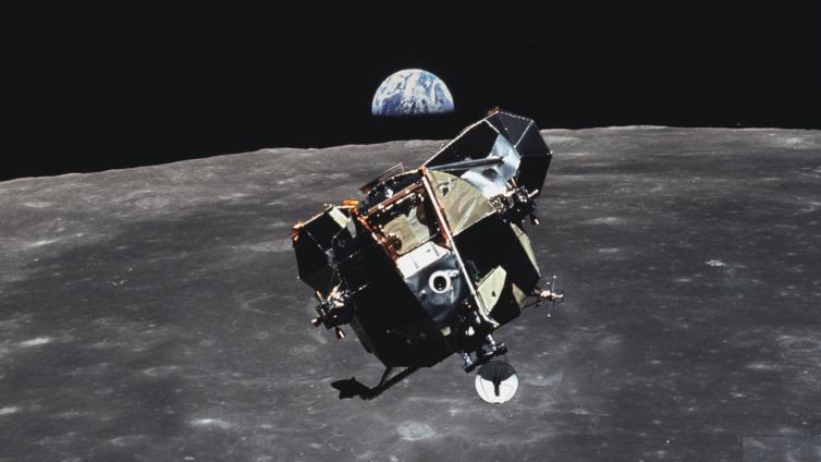 Space Suite: Apollo